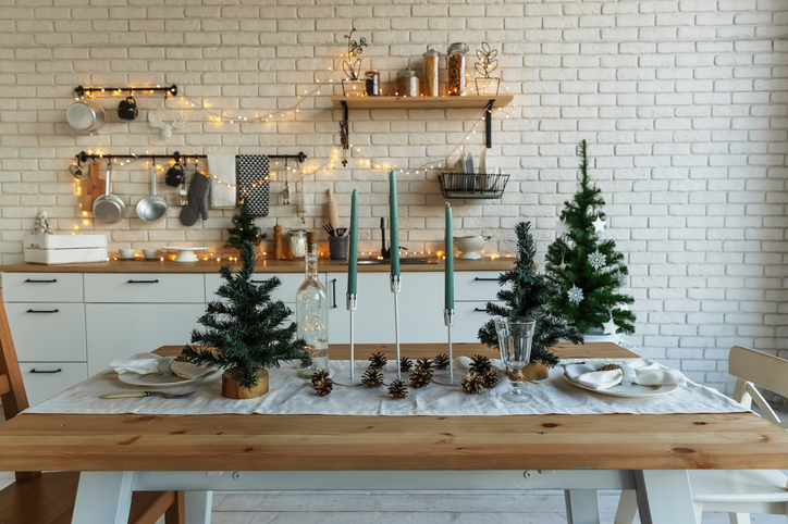 Sparkling Tablescapes For The Holidays